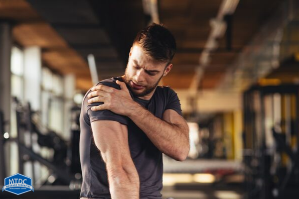 Learn How Education And Movement Can Help Frozen Shoulder